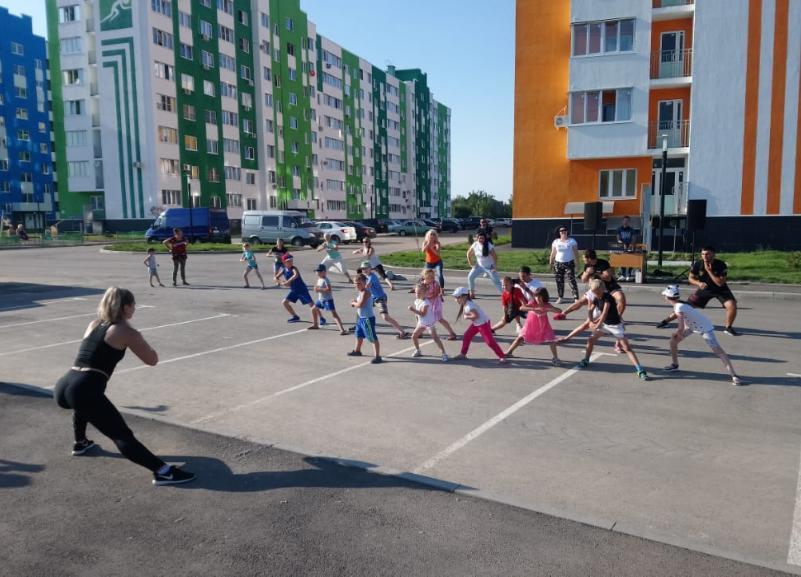 День физкультурника отметили жители ЖК «Спортивный парк» вместе со строительной компанией АСК