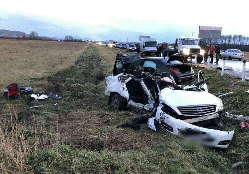 В жуткой аварии на Кубани погибла мать двоих детей и ее 12-летняя сестра