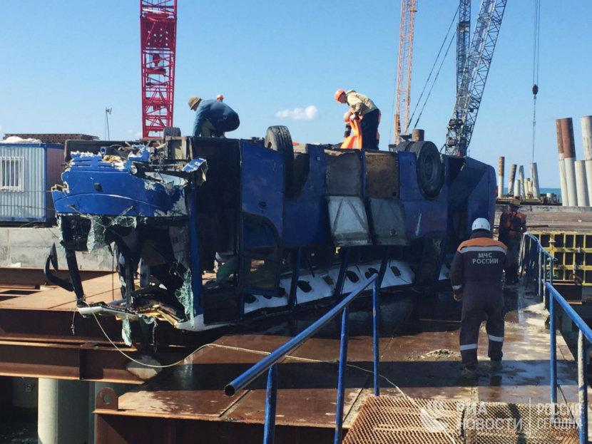 Роструд завершил расследование падения автобуса вморе вКраснодарском крае