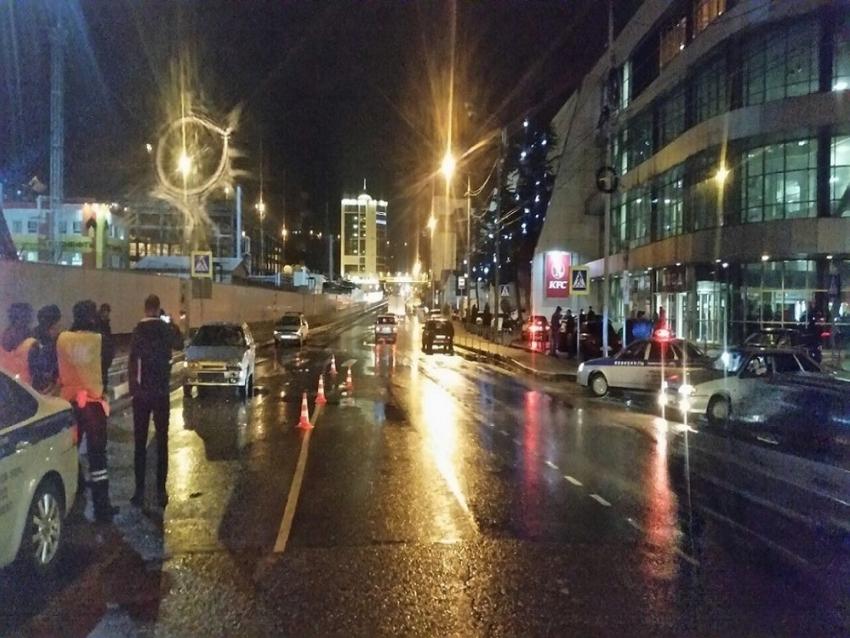 ВТуапсинском районе легковушка сбила на«зебре» 2-х девушек