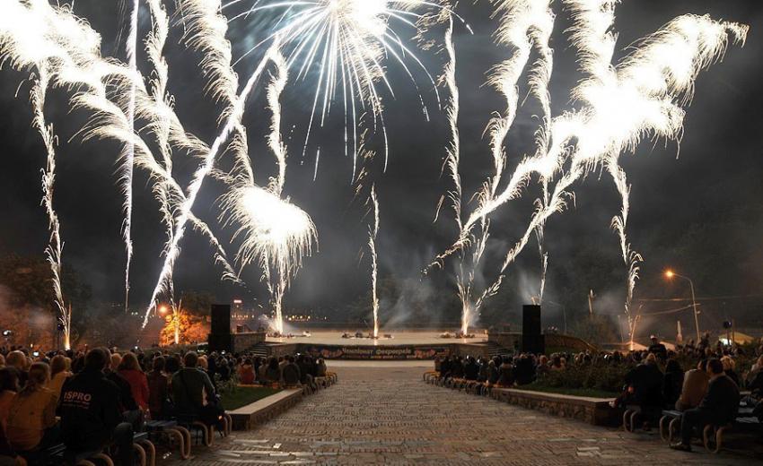 ВСочи лучшие пиротехники Российской Федерации устроят фейерверк-шоу