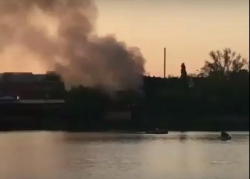 ВКраснодаре потушили пожар вкафе наулице Садовой
