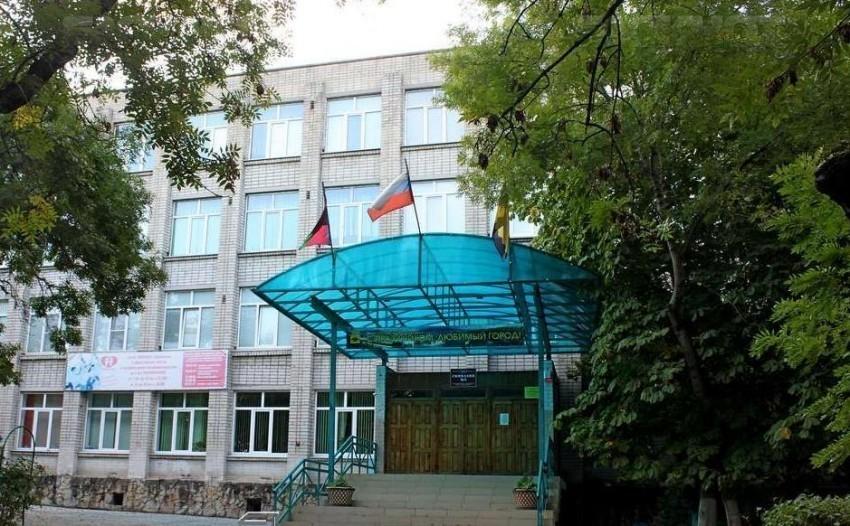 На Кубани уволенная из-за питания в школе учительница восстановлена в должности