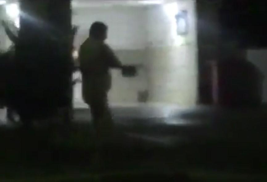 Голый мужчина, среди зимы разгуливавший по Адлеру, попал на видео