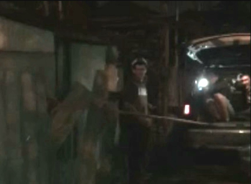 Интернет-пользователи обсуждают странный снос забора «гопниками» Краснодара