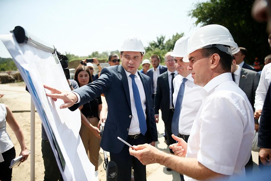 Работы на долгостроях Кубани запустят в течение двух лет