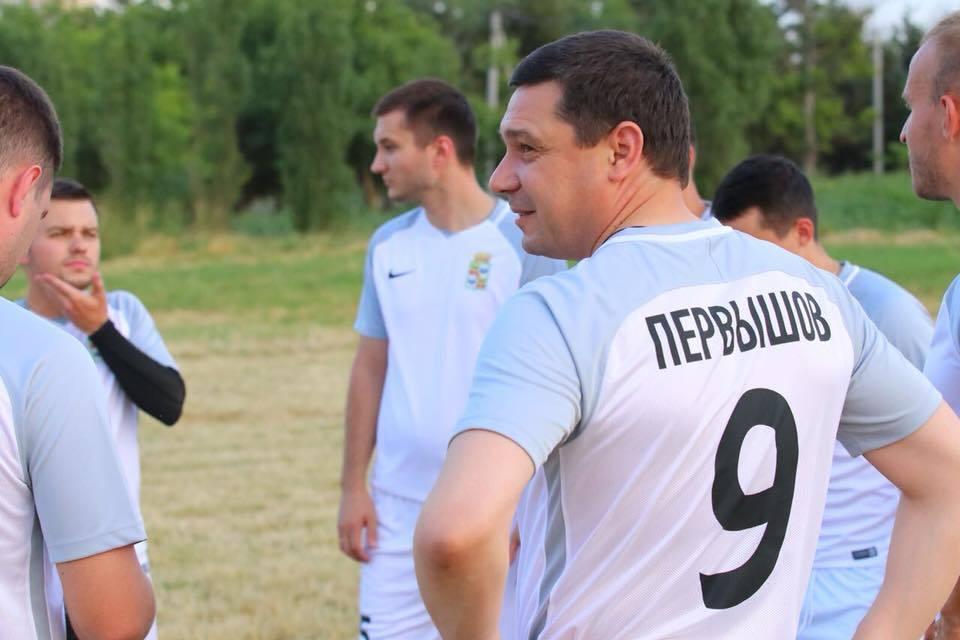 Мэр Краснодара Первышов рвется в бой на футбольном поле