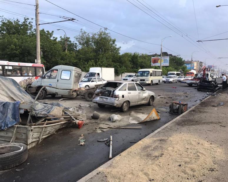17-летний сын экс-полицейских врезался в толпу дорожников в Краснодаре, уходя от погони ДПС