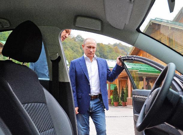 Владимир Путин обзаведется отечественным «кортежем» в Сочи
