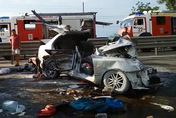 На одну жертву больше: в результате массового ДТП под Краснодаром погиб еще один человек