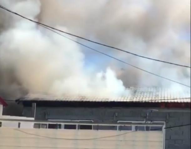 Из горящей гостиницы в Сочи эвакуировали 20 человек