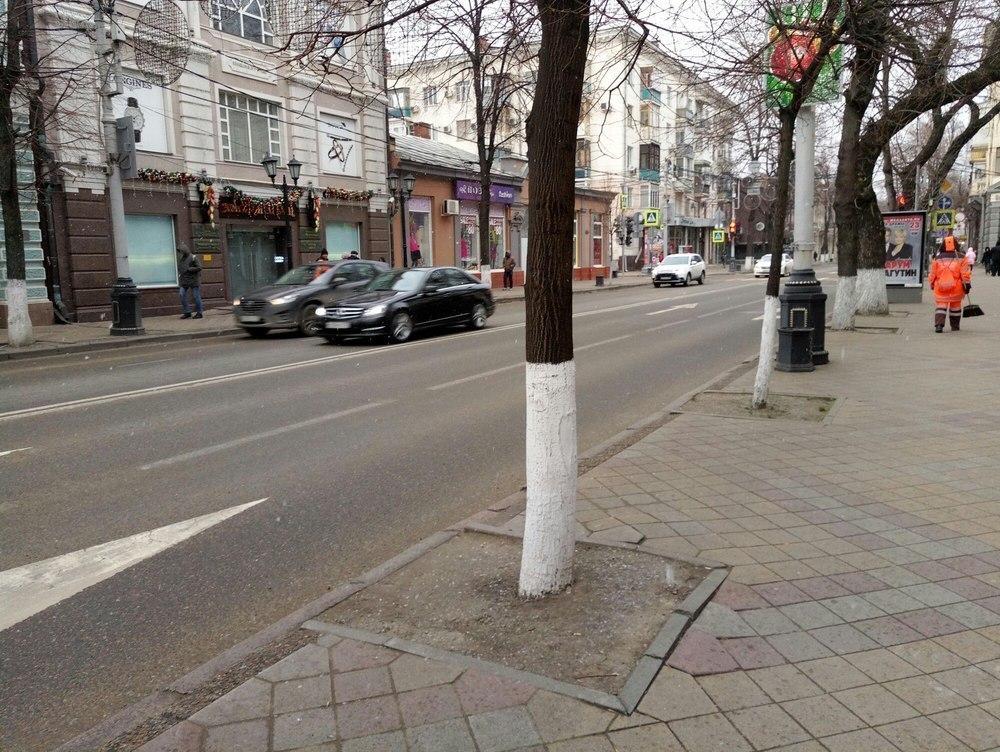 Снегопад в Краснодаре еще не пошел, а дороги уже посыпали песком и солью