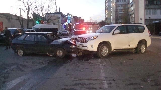 В Новороссийске из-за столкновения машин пострадали трое человек