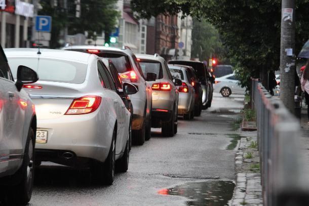 Непопулярными решениями намерен бороться с пробками мэр Краснодара