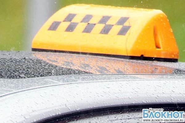 В Анапе женщина пыталась задушить таксиста