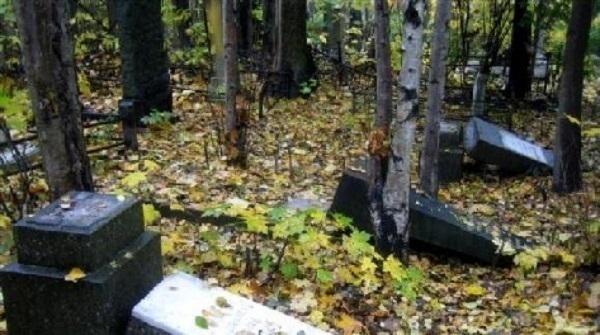 Вандалы  надругались над кубанскими могилами