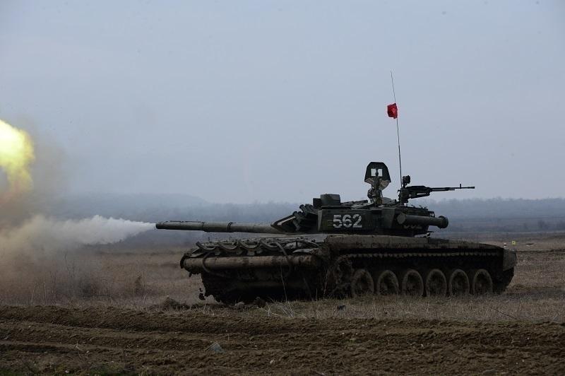 Ставропольские танкисты готовятся ктанковому биатлону