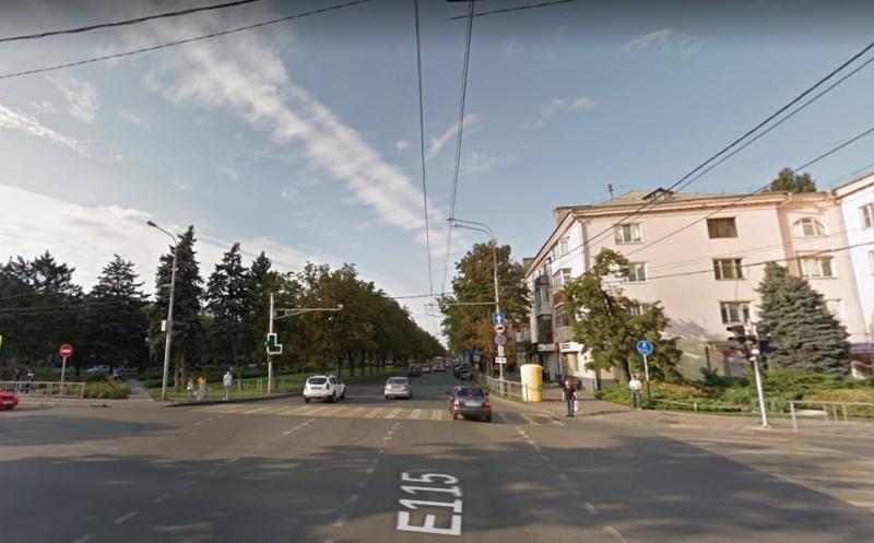 На Красной и Хакурате в Краснодаре уберут пешеходный переход
