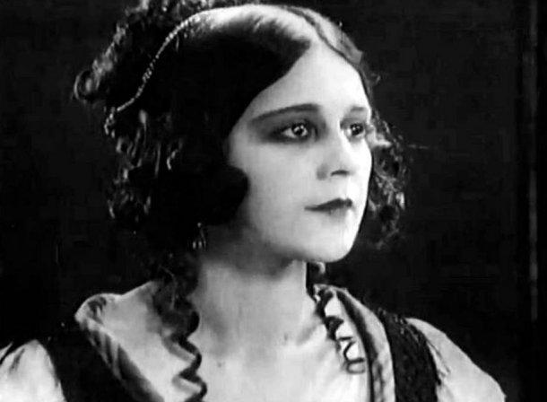 Мемориальную доску актрисе немого кино откроют в Краснодаре