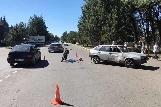 На Кубани «девятка» сбила 17-летнего мотоциклиста