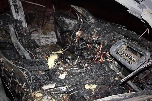 В Сочи разыскивают очевидцев поджога трех иномарок