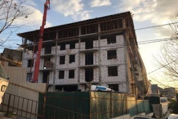 Администрация Сочи потребовали снести незаконно построенную многоэтажку