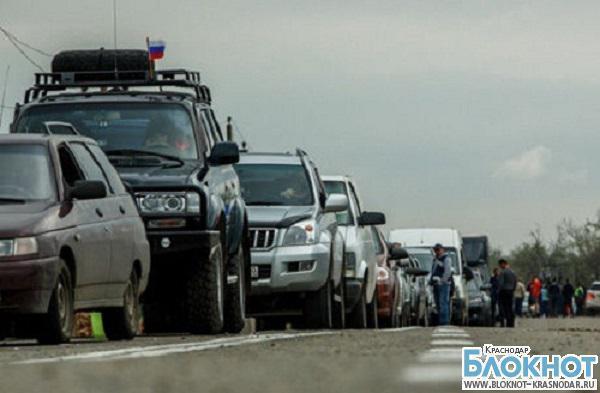 В порту «Крым» около 3 тысяч автомобилей стоят в очереди