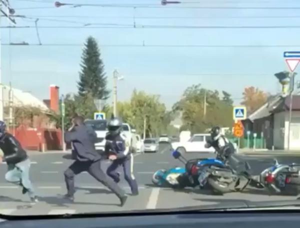 В Краснодаре погоня за пьяным байкером без прав закончилась его задержанием