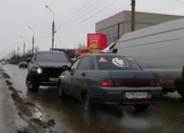 Владельца ехавшего по встречной полосе «Бентли» ищет полиция Краснодара
