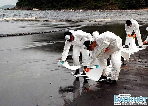 В Черном море обнаружено большое нефтяное пятно