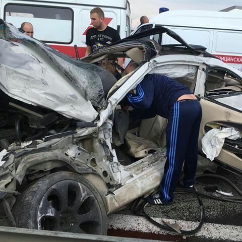 ВКраснодаре легковушка врезалась вавтобус изагорелась