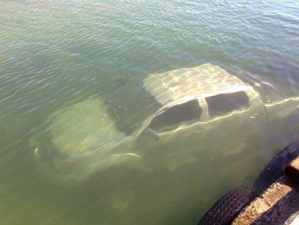 «Подводная езда» и «кувырки через крышу»: так «соревнуются» автомобилисты Кубани и Адыгеи