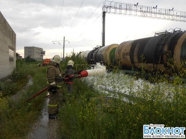 В Новороссийске с рельс сошли девять цистерн с мазутом