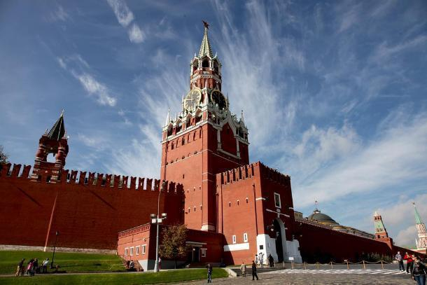 «Вид на Кремль изнутри и на работу без пробок», — краснодарцам предложили вакансию президента