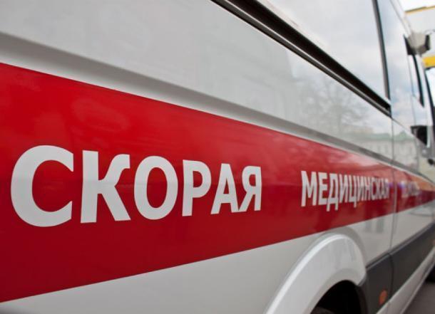 В Краснодаре из окна многоэтажки выпала 15-летняя школьница