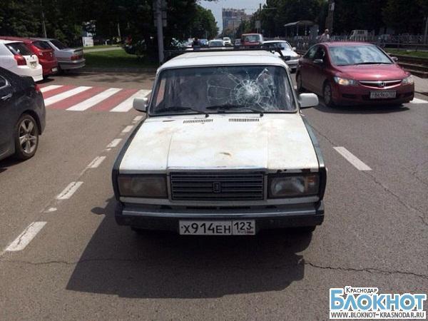 В столице Кубани автомобилист сбил 22-летнюю девушку