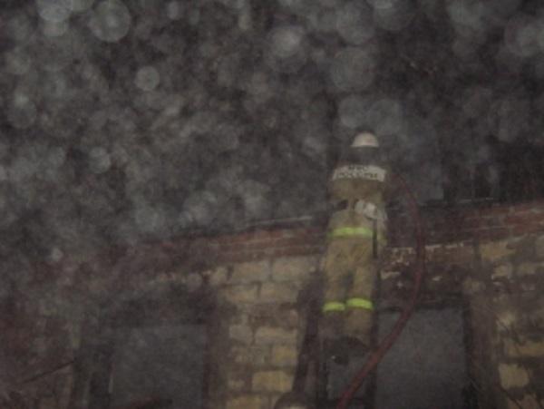 В Абинске ночью сгорели двое мужчин