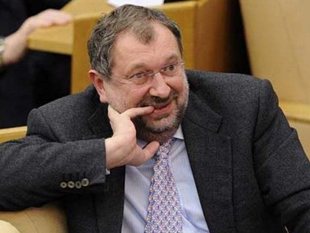 «Посадить на 5 лет и взыскать 100 миллионов евро»: так хотят наказать депутата, выбранного по Адыгейскому округу