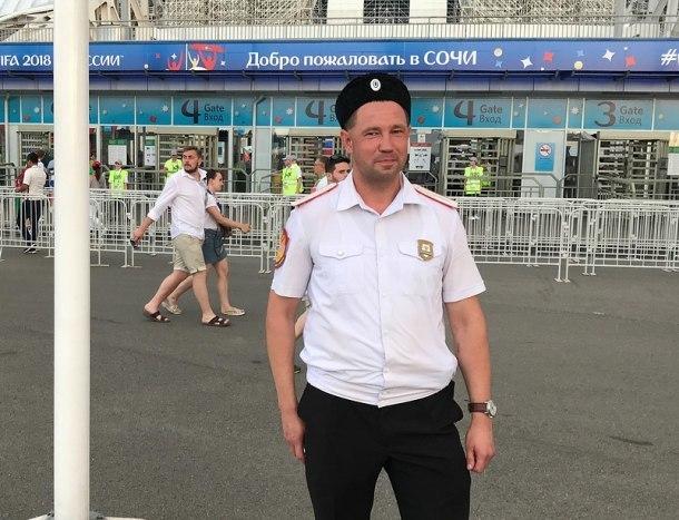 Иностранные туристы в Сочи встретили англоговорящего казака