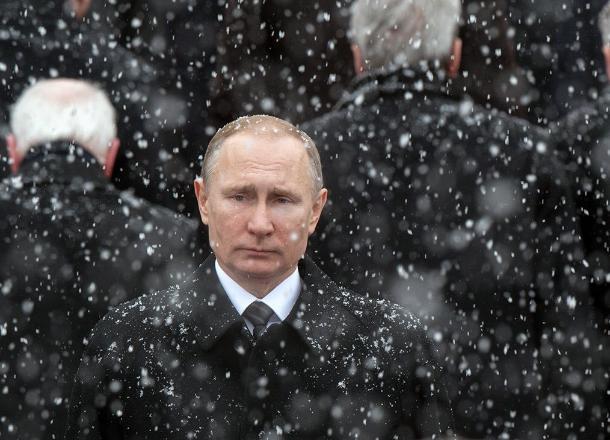 Владимир Путин на полгода раньше повысит зарплату жителям Краснодарского края