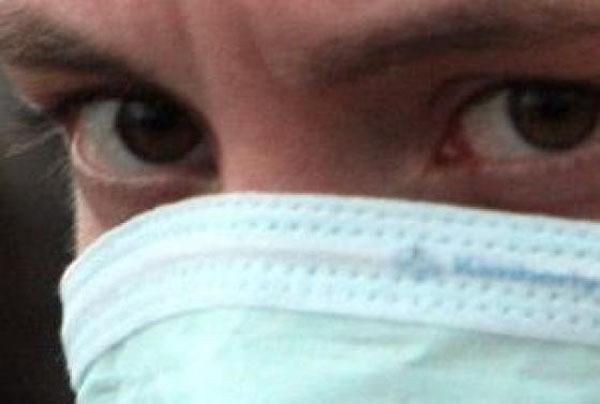 В Краснодаре задержали подозрительного мужчину с медицинской маской на лице