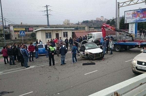 В Сочи  при столкновении иномарок погиб пешеход