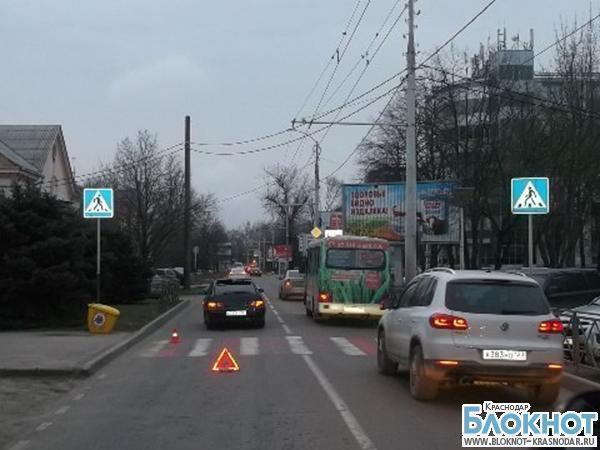 В Краснодаре автомобиль сбил пенсионерку