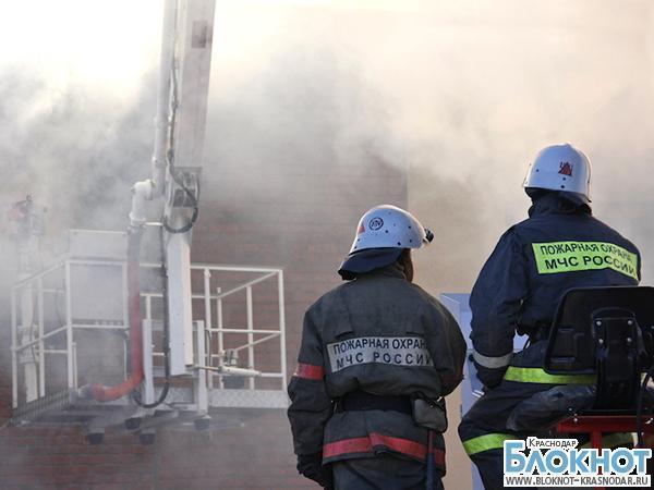 В Новороссийске при пожаре в административном здании пострадали 6 человек