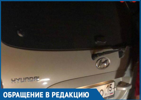 Кричал на клиентку и выбросил посреди трассы «интеллигентный» таксист на Кубани