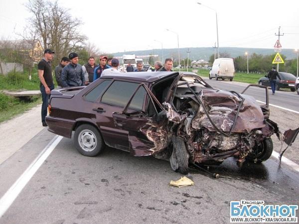 В ДТП под Новороссийском столкнулось четыре автомобиля