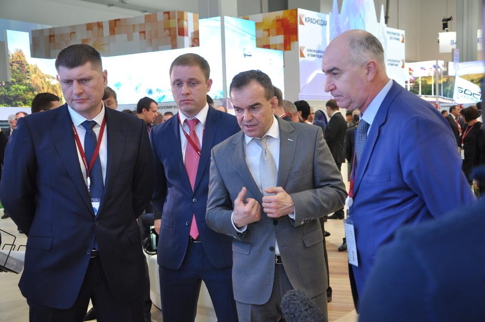 В Новороссийске снесут «драмтеатр» и восстановят вагоноремонтный завод